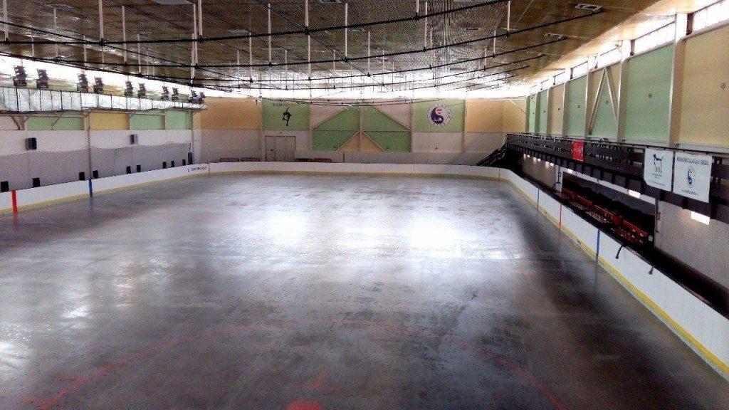 Ledová plocha krasobruslařského stadionu v Brně