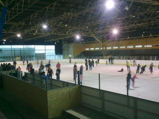 Veřejné bruslení na zimním stadionu v Rosicích u Brna
