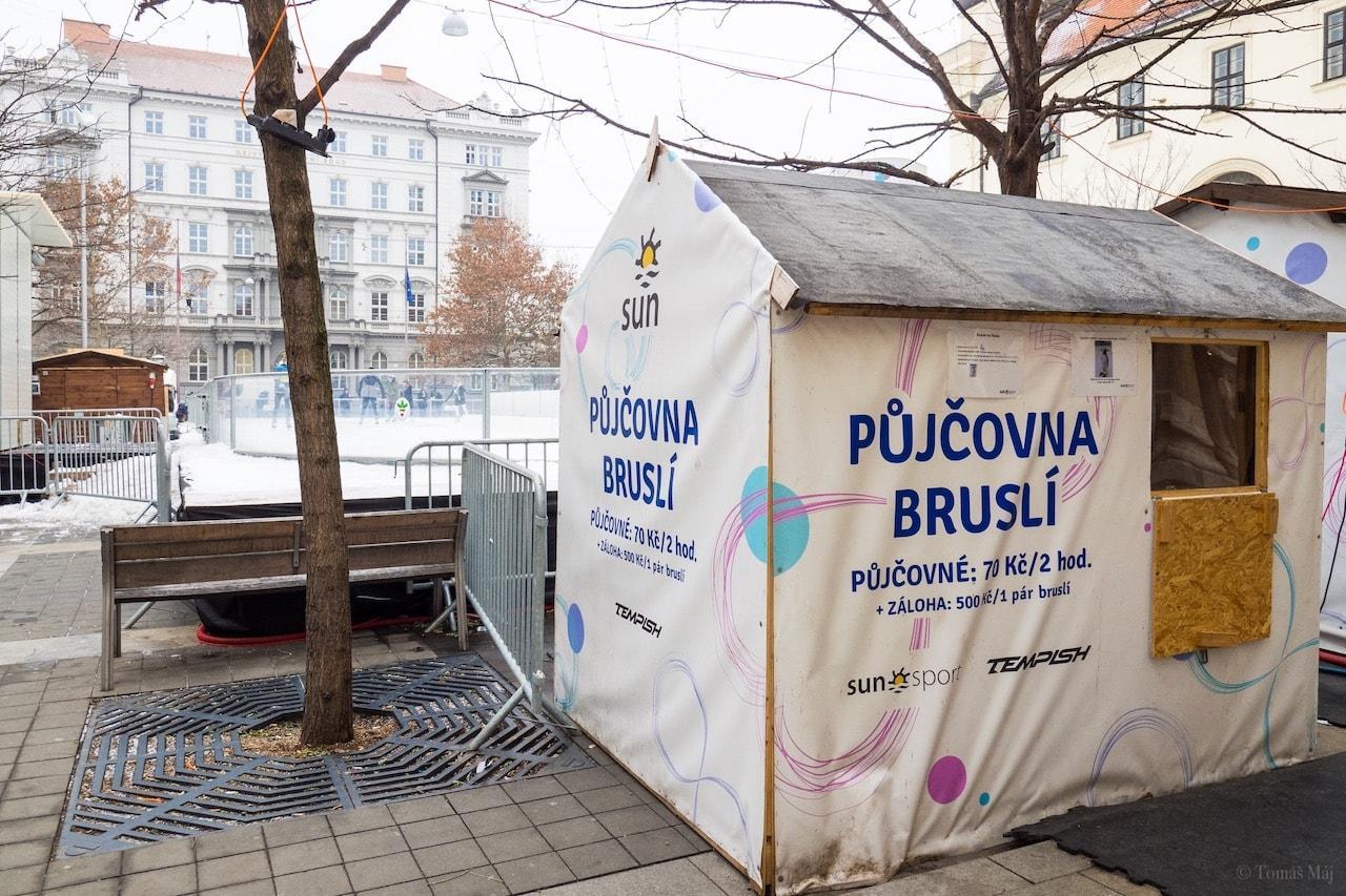 Brno-Bruslak-u-sochy-Josta2